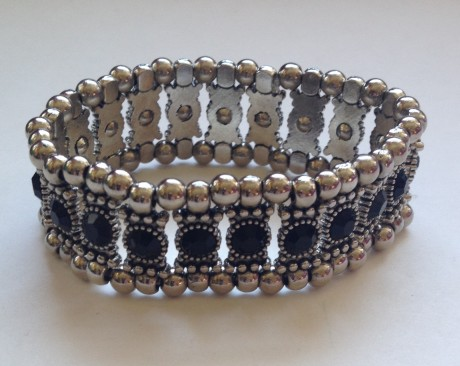 jewelry subscription bracelet