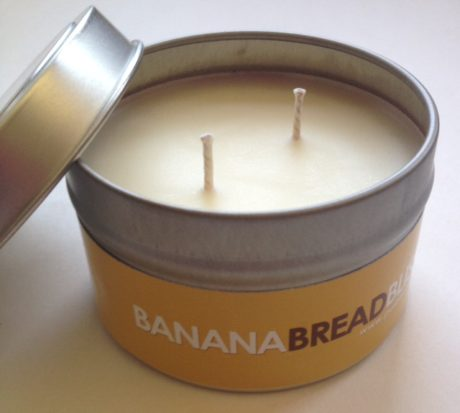 banana-bread-candle
